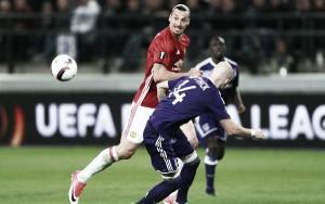 Em jogo equilibrado, Anderlecht e Manchester United ficam no empate