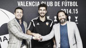 André Gomes firma con el Valencia hasta 2020