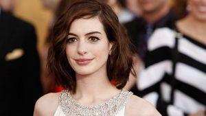 Anne Hathaway acepta no encajar en papeles jóvenes