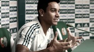 """Antônio Carlos comemora titularidade e exalta grupo do Palmeiras: """"Criamos uma família"""""""