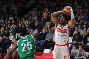 Legabasket: Okoye colleziona prodezze, Avellino si sveglia tardi