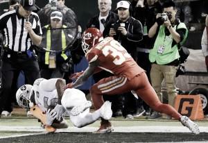 Oakland Raiders defeat Kansas City Chiefs on the final play