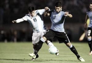 """Sampaoli analisa empate contra Uruguai: """"Não esperávamos que jogassem tão atrás"""""""
