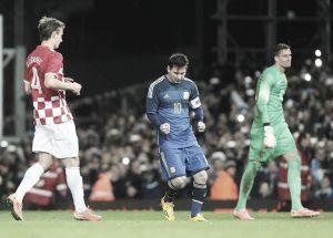 Messi frena a una joven Croacia