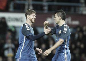 Messi marca, joga bem e Argentina vence Croácia de virada