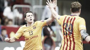 Un Barça enrabietado sentencia tras el descanso