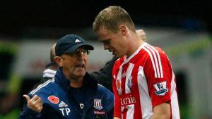 Pulis aconseja a Shawcross que juegue con Gales