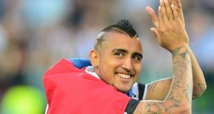 Manchester United descartó a Vidal