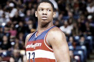 Seraphin a los Knicks y Justin Anderson garantiza contrato con los Mavs