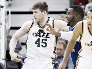 Utah Jazz se refuerza con dos jugadores más