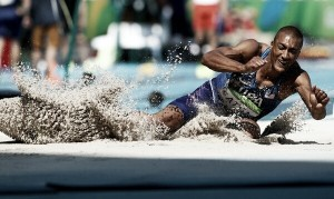 Rio 2016: Ashton Eaton leads after Day 1 of the decathlon
