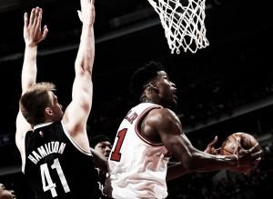 Chicago Bulls atropela Nets e se classifica para os playoffs da NBA