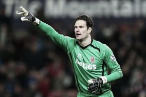 Asmir Begovic set to join Chelsea