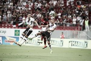 Vasco tem pênalti polêmico e clássico contra o Flamengo termina empatado