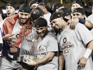 2017 World Series: Houston Astros defeat Los Angeles Dodgers in Game 7 to win first championship in franchise history