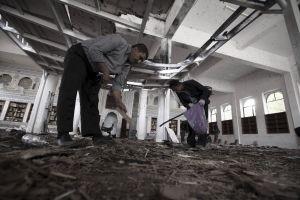 Más de 100 muertos en un doble atentado en Yemen