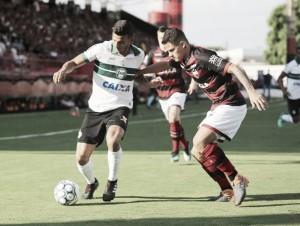 Atlético-GO vence no retorno à sua casa, entra no G-4 e aumenta crise no Coritiba
