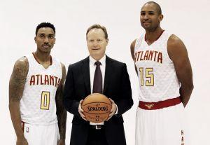 Mike Budenholzeres la estrella en el 'Media Day' de los Atlanta Hawks