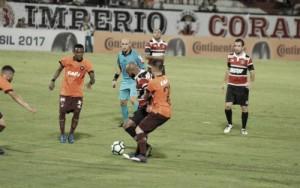 Atlético-PR e Santa Cruz duelam por vaga nas quartas da Copa do Brasil