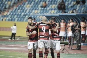 Criciúma sai na frente, mas Atlético-GO vira e estreia com vitória