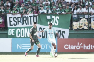 Na luta contra o Z-4, Avaí e Chapecoense se encontram pela sexta vez no ano