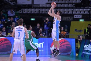 Poste Mobile Final Eight 2018: Cremona elimina Avellino