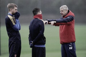 Arsène Wenger reveals team news ahead of pivotal Leicester clash
