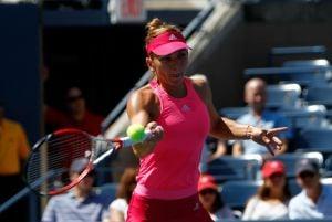 Simona Halep sufre para pasar de ronda