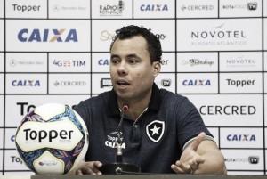 Jair Ventura cobra mais eficiência e lamenta desfalques para jogo diante do Coritiba