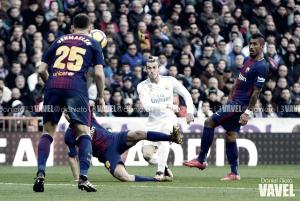 Bale se toma su copa de año nuevo