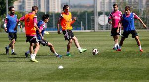 Bale se reincorpora a los entrenamientos con el grupo