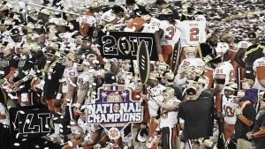 Em grande jogo, Clemson é campeão do College Football após bater Alabama