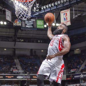 Super Harden ne fa 44, e i Rockets battono i Kings dopo un overtime