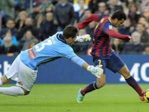 El Elche no evita la goleada en su visita al Camp Nou
