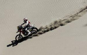 Barreda vuela sobre Atacama mientras Coma gestiona su renta