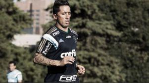 Sem Gabriel, Marcelo Oliveira testa Amaral e Lucas Barrios no time titular