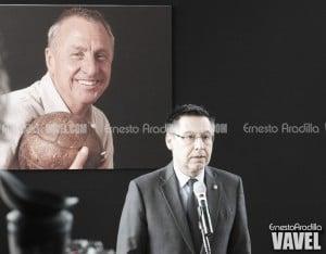 Bartomeu: ''Johan revolucionó el mundo del fútbol y del Barça''