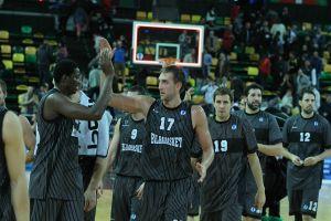 El Bilbao Basket se exhibe en Miribilla