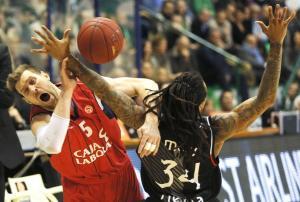El Caja Laboral consigue la victoria y la clasificación para los cuartos de la Euroliga