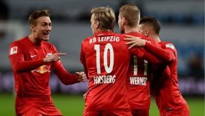 Bundesliga - Il Lipsia vola in testa e sogna, il Bortmund batte il Bayern