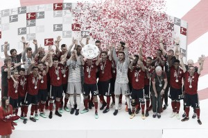 Bayern se despide con una derrota y el título en mano