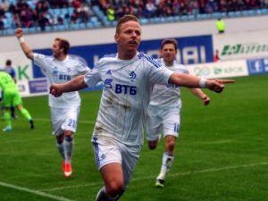 الدوري الروسي : لوكوموتيف ينتصر على دينامو في دربي العاصمة و يعدل أوضاعه في سلم الترتيب