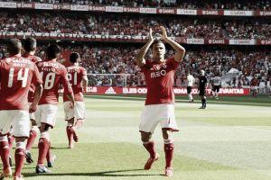 Benfica esmaga Penafiel: Águia voa para o 34