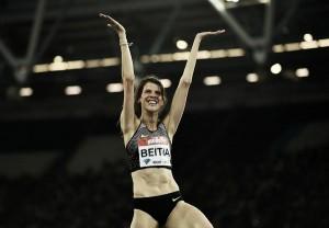 Ruth Beitia vuelve a tocar el cielo