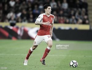 Arsenal delay Hector Bellerin contract talks