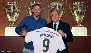 Benzema signs contract extension