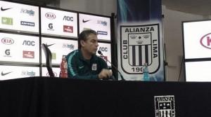 """Pablo Bengoechea: """"Tenemos que olvidarnos de lo que pasa en el entorno y jugar"""""""