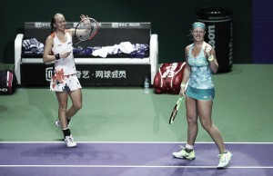 WTA Finals: Kiki Bertens and Johanna Larsson causes huge upset against Barty and Dellacqua