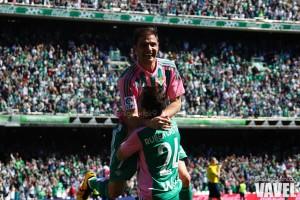 Fotos e imágenes del Betis 2-0 Granada, jornada 28 de Primera División
