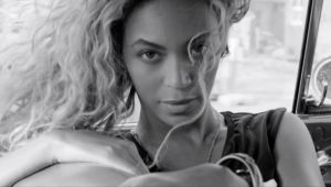 Beyoncé presenta 'Yours And Mine' por el aniversario de su álbum